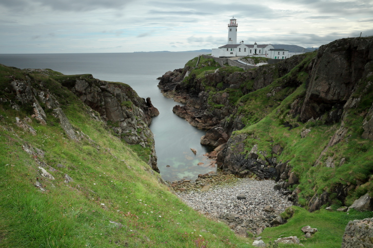 Il faro di Fanad, nella penisola di Donegal, in Irlanda