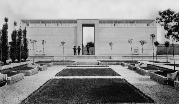 Il padiglione dell'Austria in una foto d'epoca (http://www.labiennalevenezia.at)