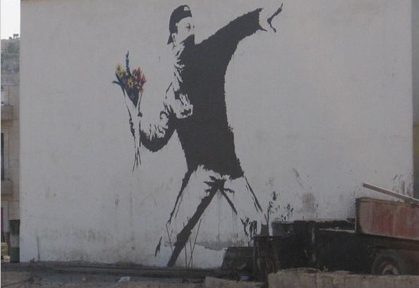 "Graffito di Banksy dal titolo ""Flower Thrower"", East Jerusalem"