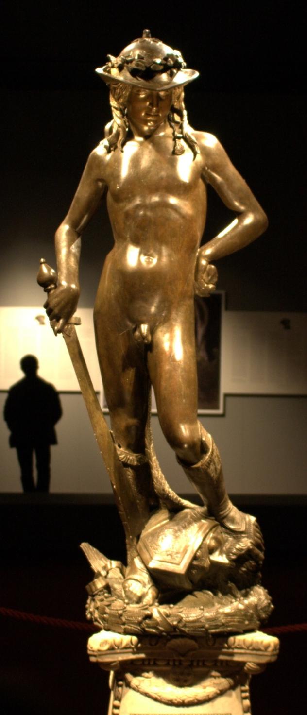 Donatello, David, 1440 circa, bronzo dorato, 158 cm, Museo del Bargello, Firenze
