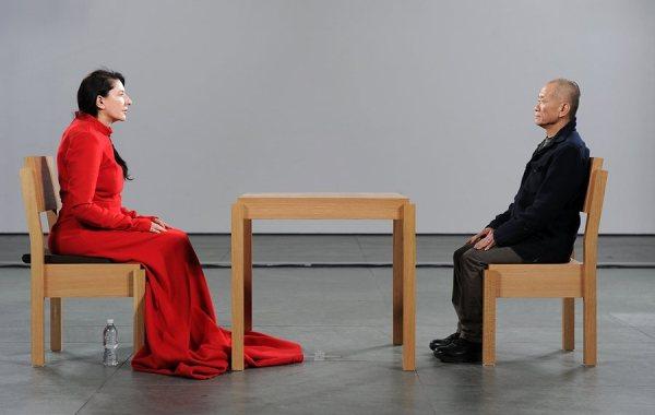 Marina Abramovic, The artist is present, al Moma di New York nel 2010