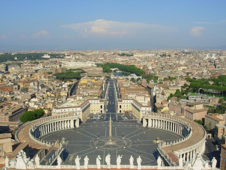 Gian-Lorenzo_Bernini_colonnato_piazza_san_pietro_vita_opere_Due-minuti-di-arte